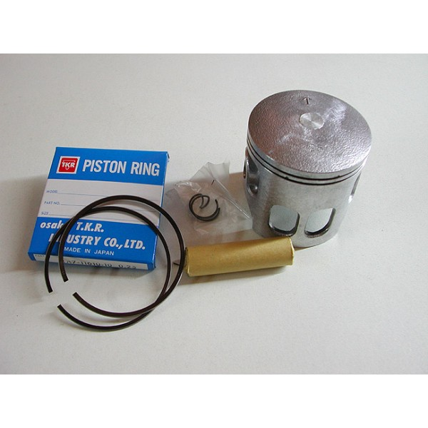 Yamaha 175  piston kit with  clips, pin & rings diam 66mm