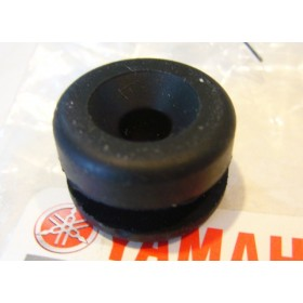 Yamaha 125, 175 & 250 side panel rubber pad