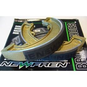 BSA C15 jeu de mâchoires de frein Avt & AR